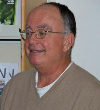 George Archibald speaks at the International Crane Foundation headquarters in 2009. Photo by Matt Mendenhall