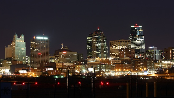 Kansas City, Missouri, at night, by Lasse Fuss, Wikimedia Commons.